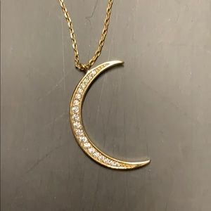 Jewelry - Crescent necklace